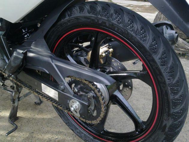 Lý do vỏ xe máy bị nổ khi đi dưới trời nóng, những lưu ý bạn nên biết khi đi xe máy