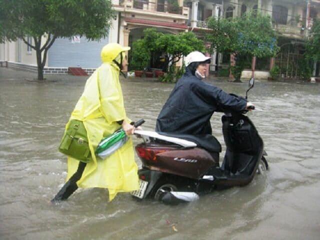 Xe tay ga bị ngập nước chết máy cần phải làm gì?